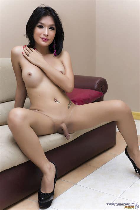 shemale erection pics jpg 1068x1600
