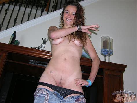 Amateur strip and sex jpg 1600x1200